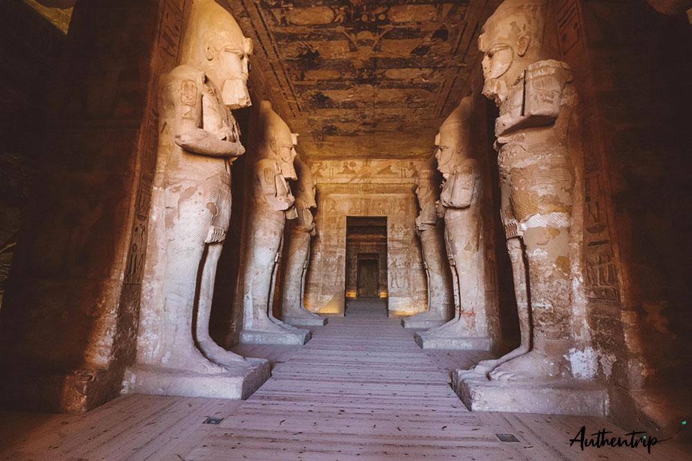 entrée du temple, Abu Simbel