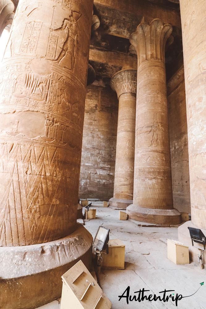 Colonnes au temple d'Edfu