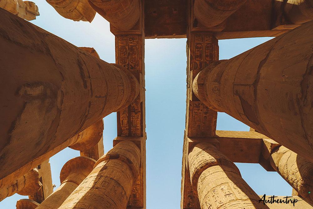 colonnes et plafond karnak