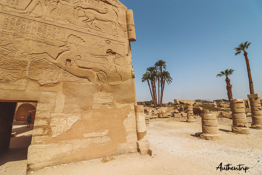 temple karnak mur