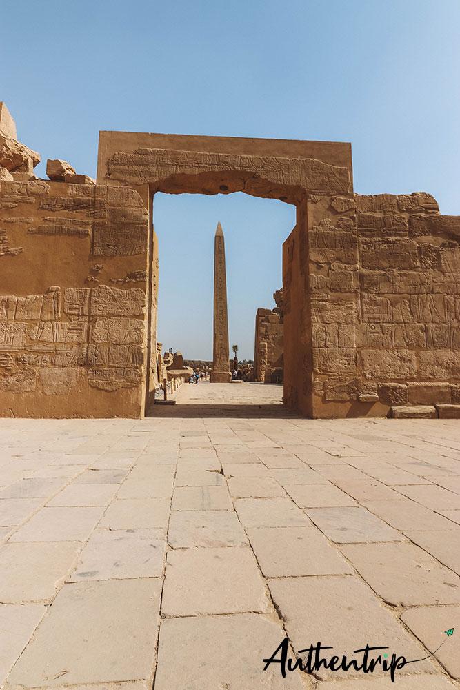 temple karnak obelisque