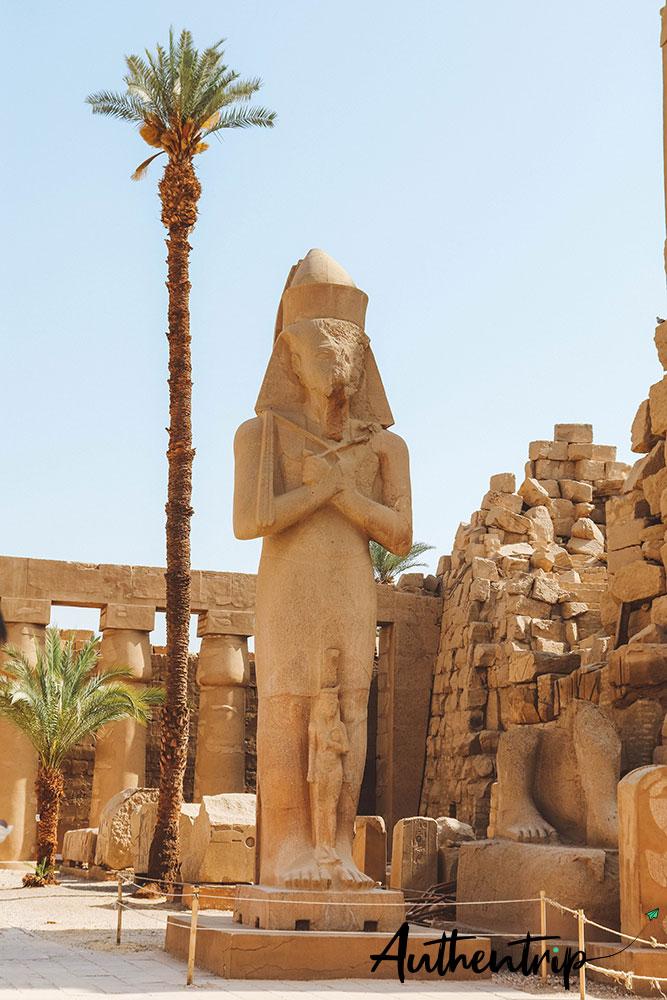 statue ramses 2 karnak