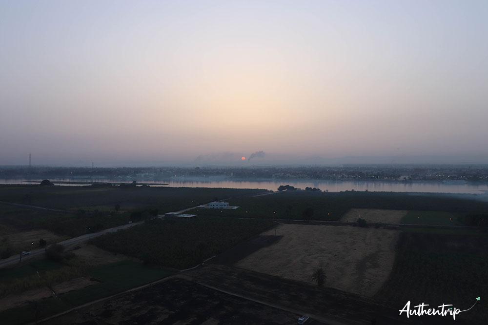 balade en montgolfiere lever soleil