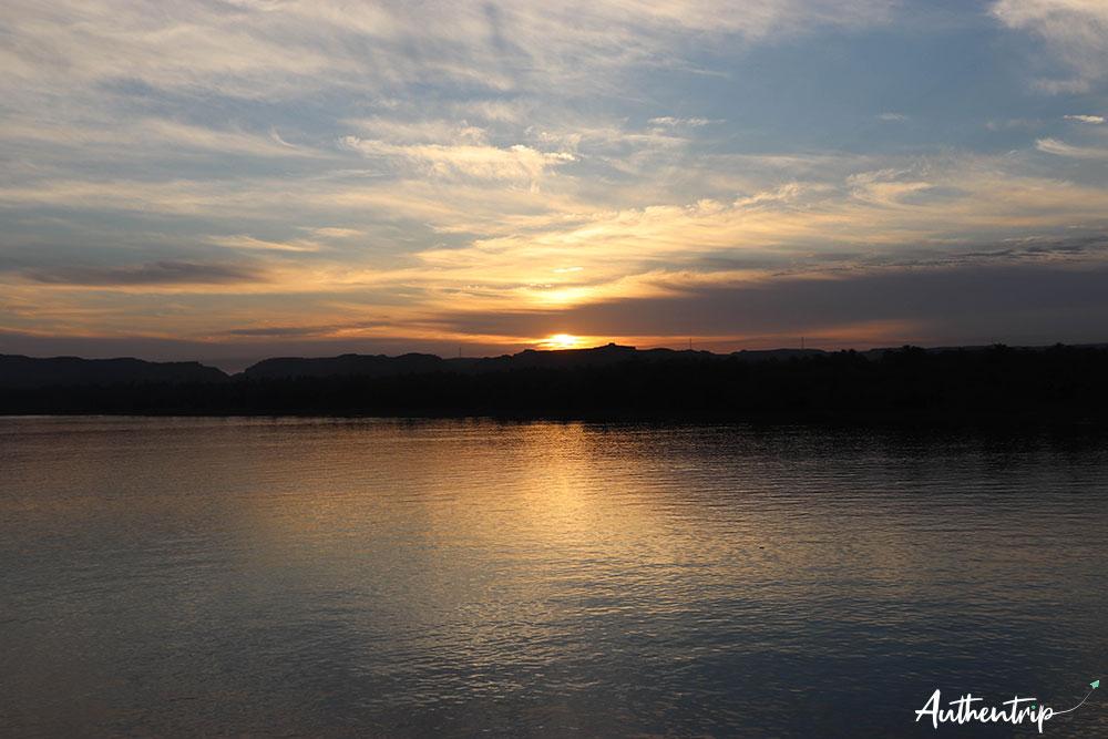 Lever de soleil sur le Nil