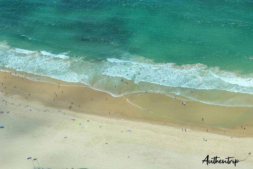 surfers paradise ocean