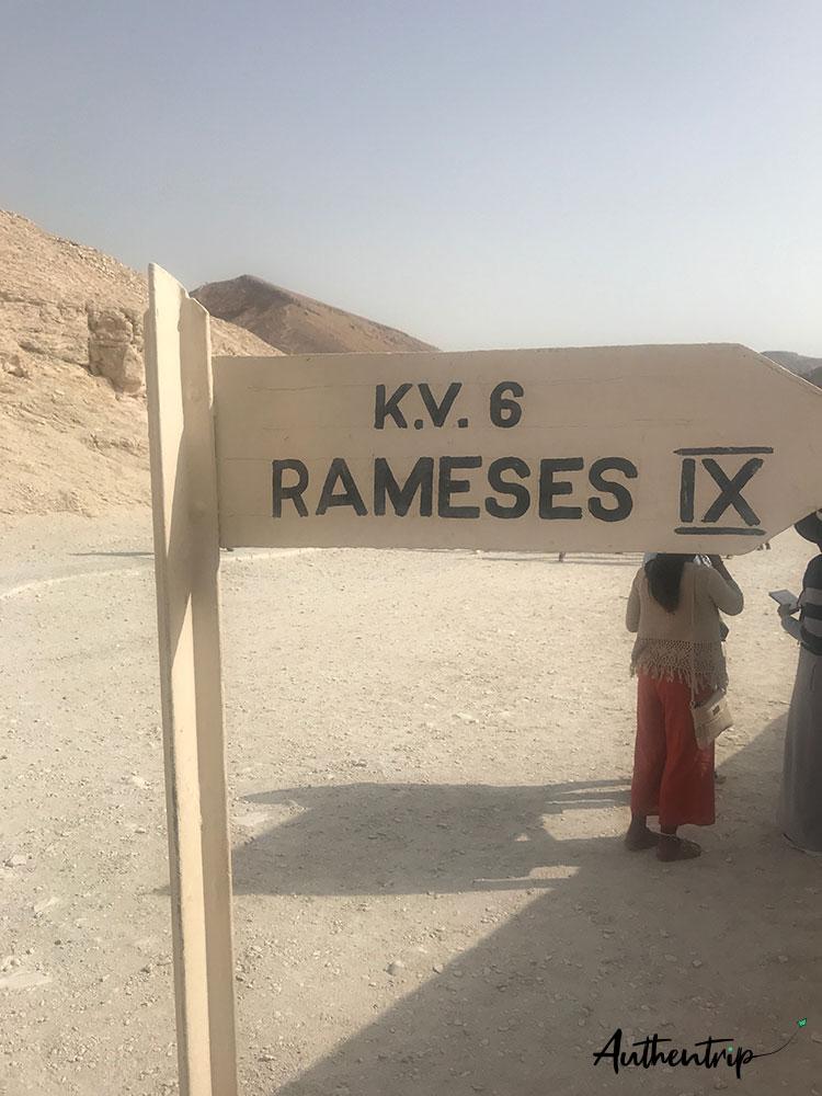vallée des rois tombeau ramses 9