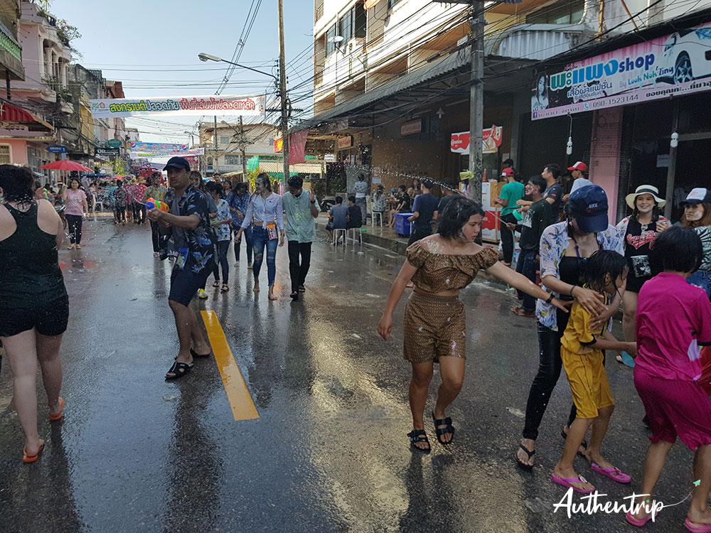 songkran bataille d'eau chumphon