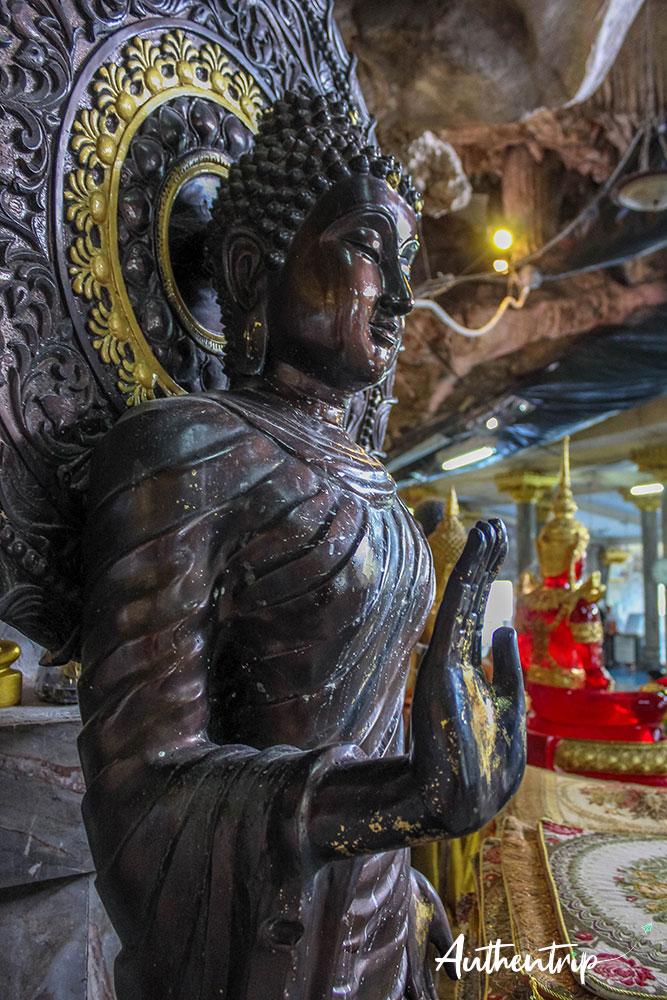 krabi tiger cave temple intérieur