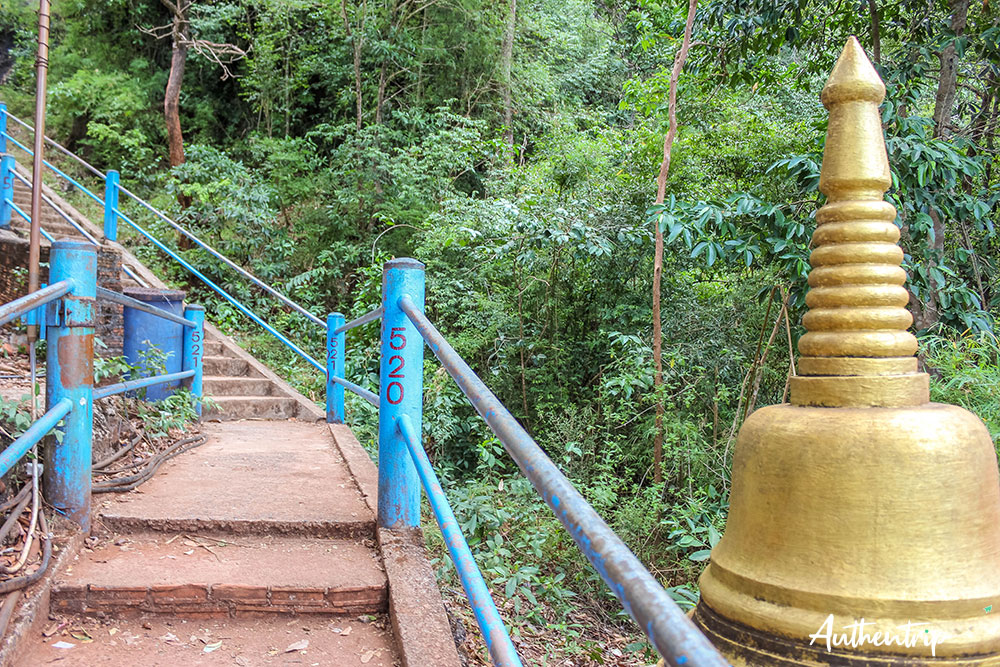 krabi tiger cave temple marches