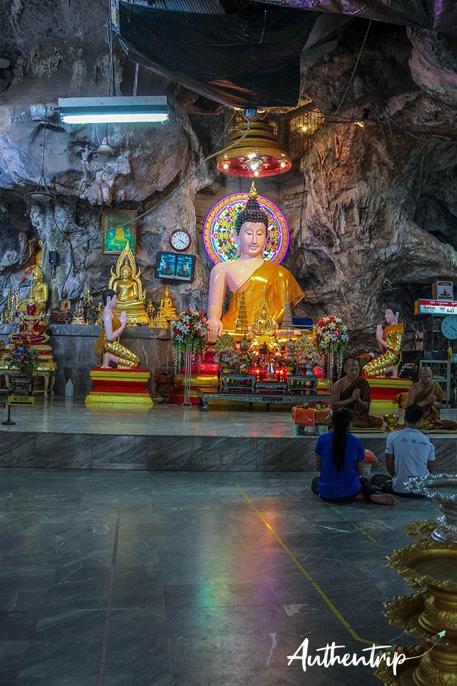 krabi tiger cave temple moines