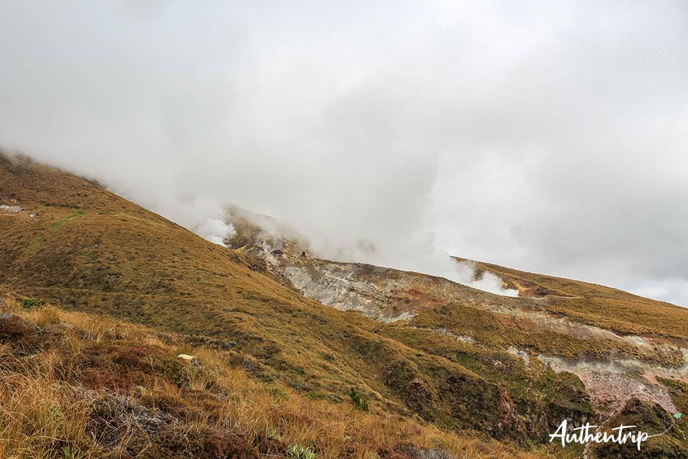 tongariro alpine crossing descente fumee