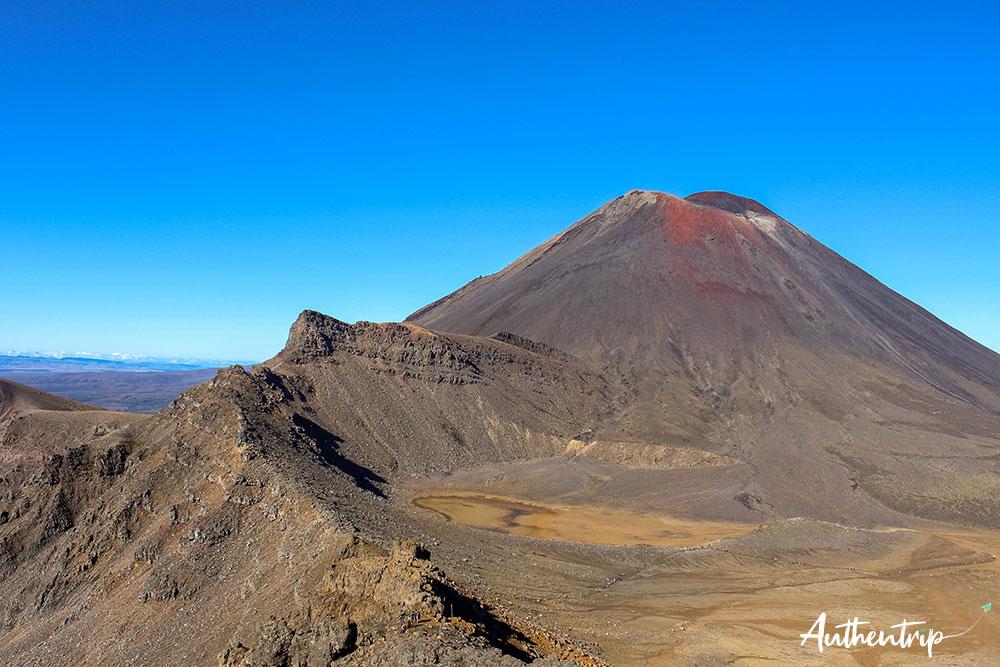tongariro alpine crossing vue south crater