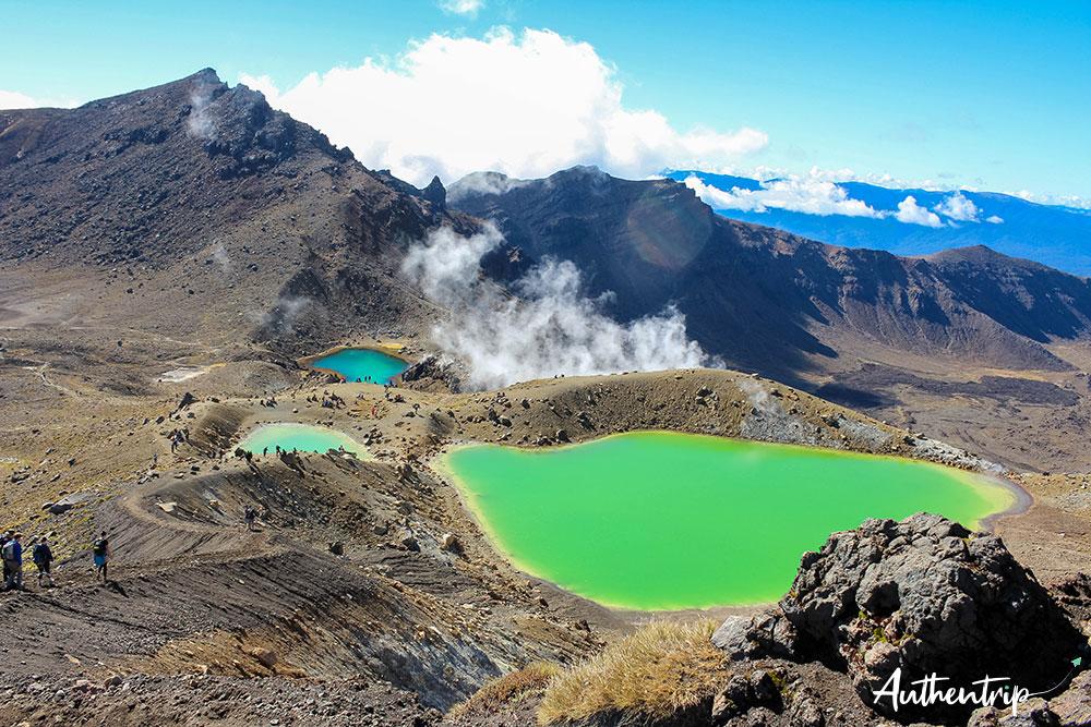 tongariro alpine crossing lacs émeraude vue