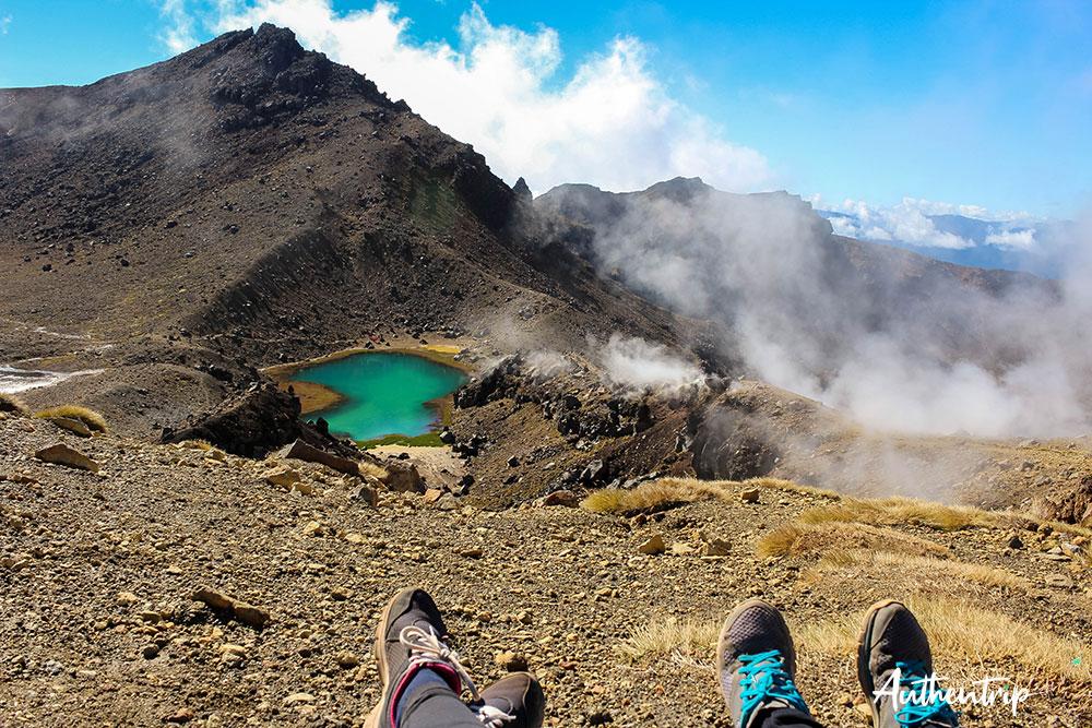 tongariro alpine crossing lacs émeraude pause