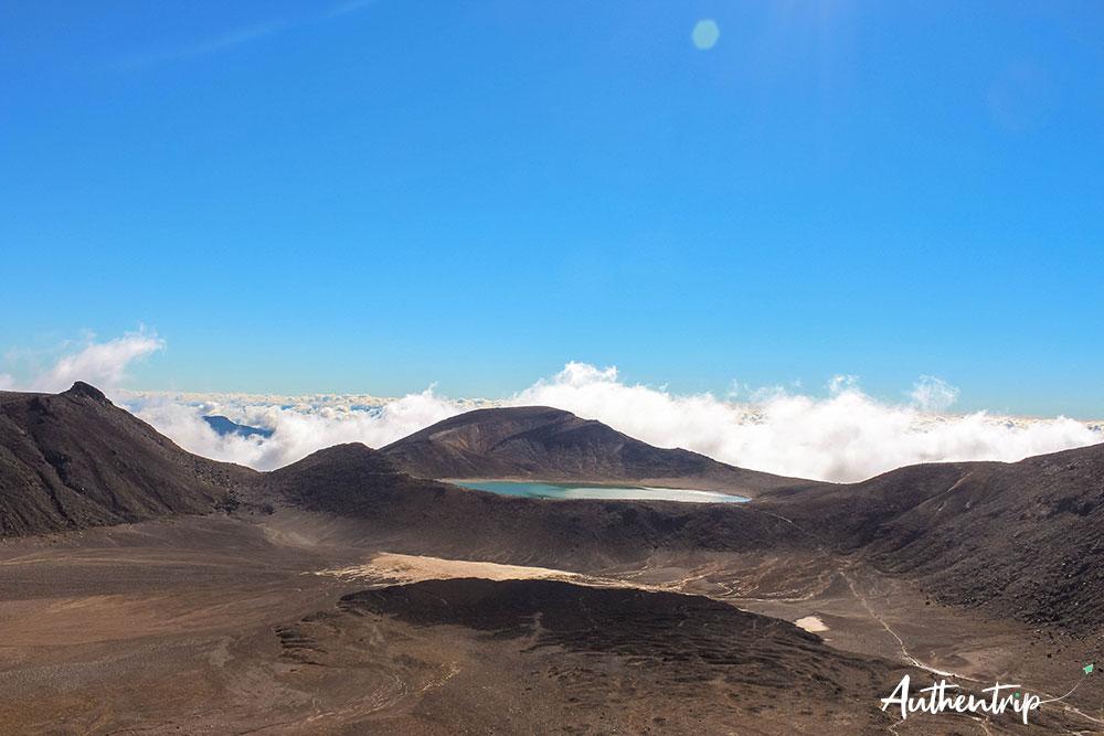 tongariro alpine crossing blue lake et central crater