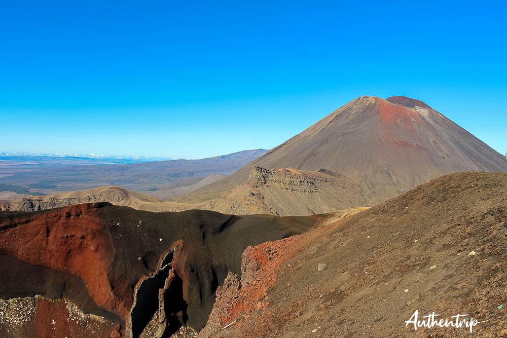 tongariro alpine crossing red crater vue