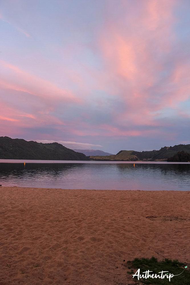 lac sunset rotorua