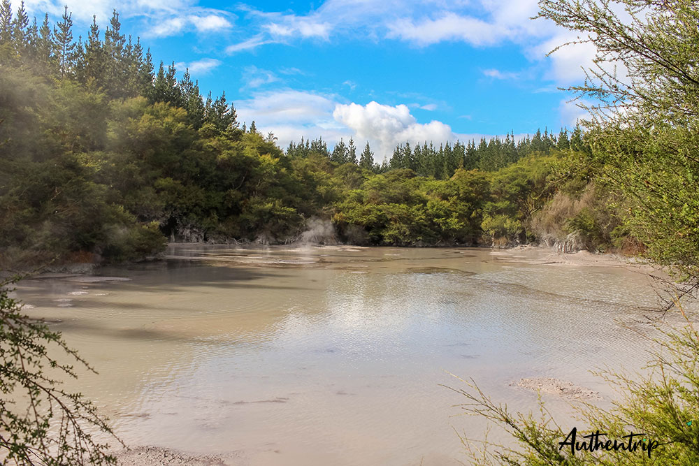 lac boue wai-o-tapu