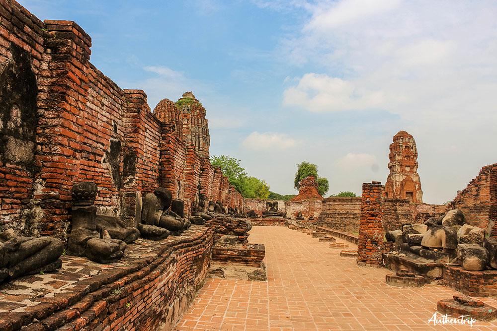 ayutthaya temple statues