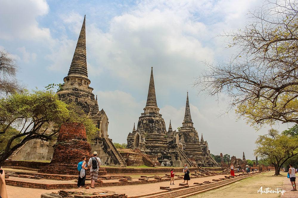 ayutthaya temple chedi