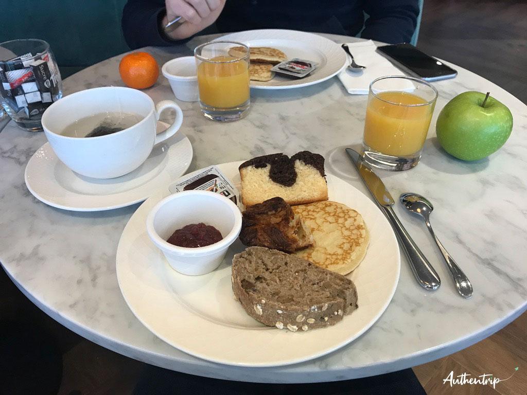 Petit déjeuner, Les Rives du Ter, Larmor-Plage