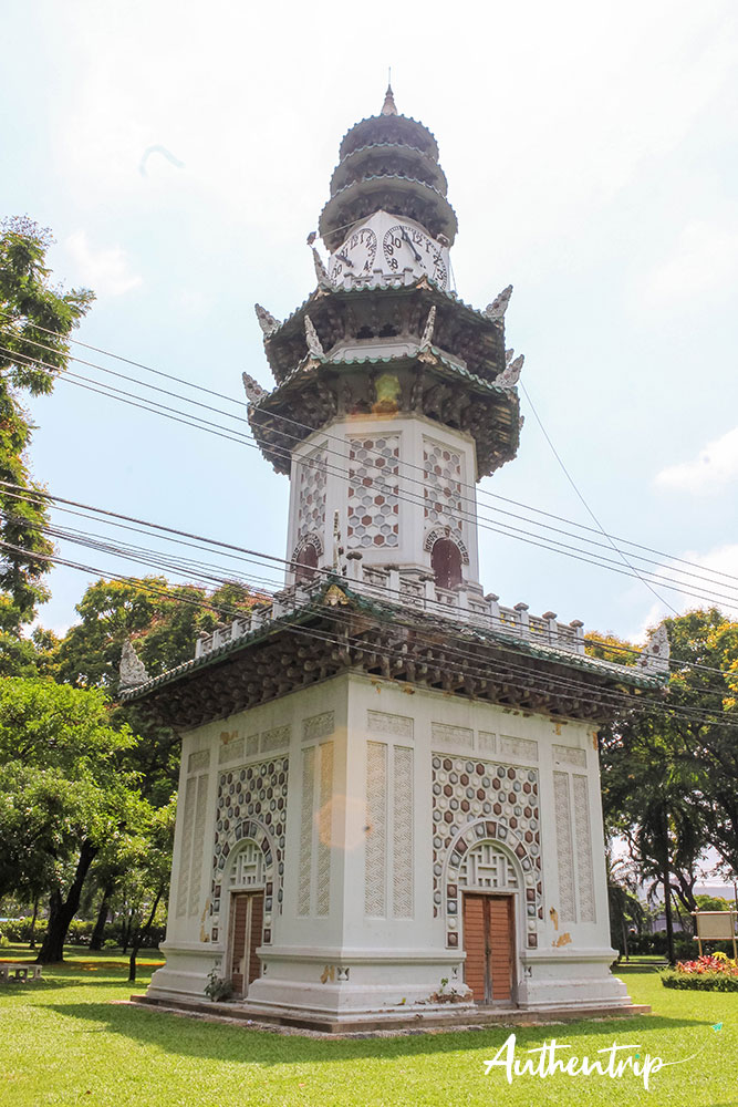 Temple, Lumphini Park