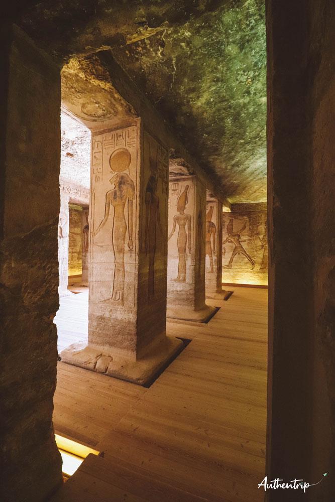 top 5 temples Egyptians, abu simbel, petit temple colonnes