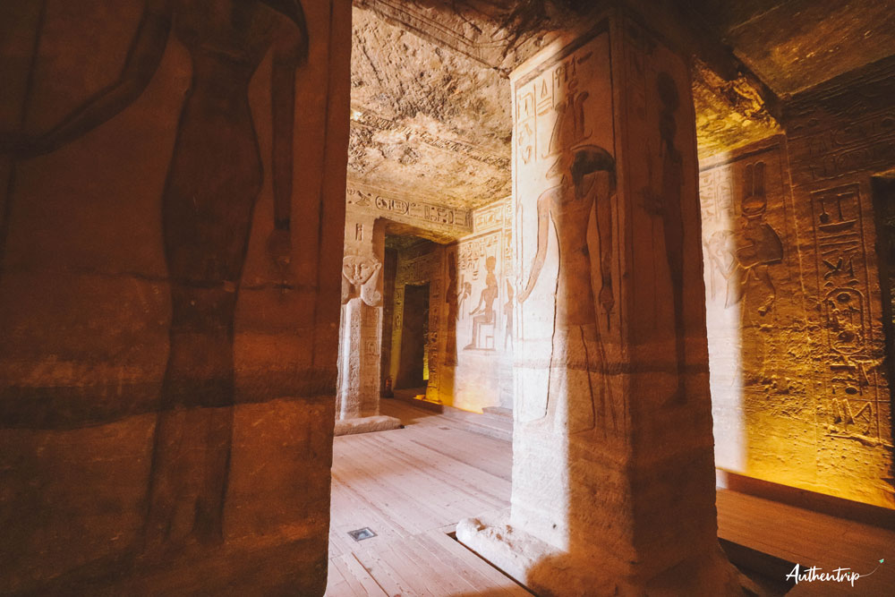 intérieur petit temple abu simbel