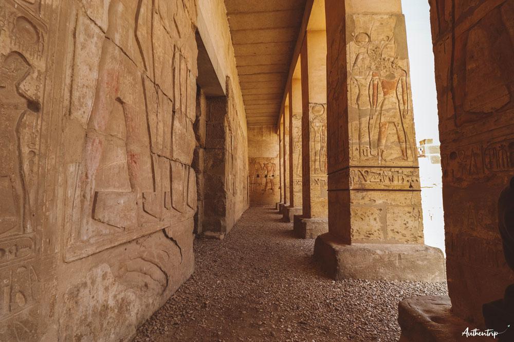 extérieur temple abydos