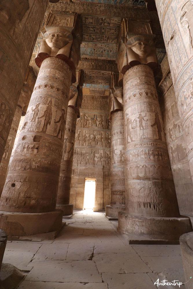 denderah plafond et colonnes