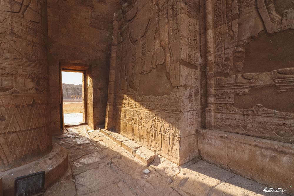 edfou temple passage